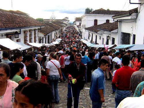 Calles de Popayán con fieles