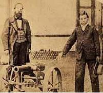 Las pruebas del submarino han sido un éxito, aunque los diarios y la prensa en general han sido muy hostiles con mi invento...