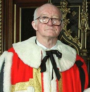 Thomas Taylor, Lord Taylor, acusado por el Sunday Times de influir en cambios legislativos para favorecer una firma. El Reino Unido figura en el puesto 16 de transparencia. Foto de dailymail.com.uk