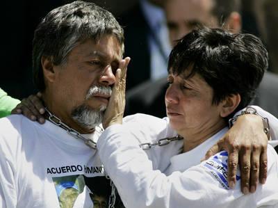 El profesor Gustavo Moncayo, diez años a la espera de que las Farc liberen a su hijo. El ejemplo de un auténtico padre de familia. Ojalá que se haga realidad su sueño y el suelo de paz en Colombia.